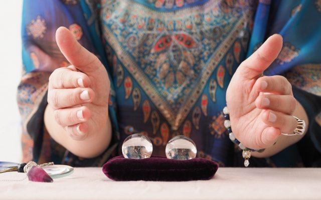 霊感占い師イメージ画像